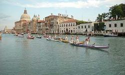Venezia, regata in Canal Grande (foto: Mario Fletzer)